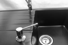 Dozownik do płynu z mosiądzu - Chrom
