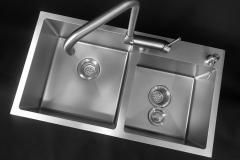 Zlewozmywak stalowy INOX półtorej komory z syfonem oraz koszykiem